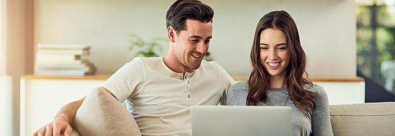 husband and wife review credit score tips online